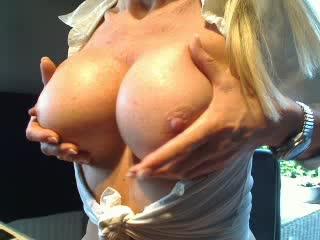 42 jarige klasse dame Bigtitsxx uit Moordrecht zoekt bloedheet stevig plezier!