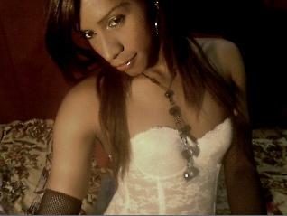 thaise in corset