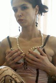 mona live sex chat