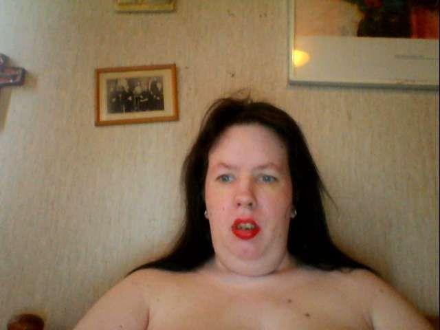 34 jarige exhibitionistische huisvrouw 26misspoes zoekt kinky kerels!