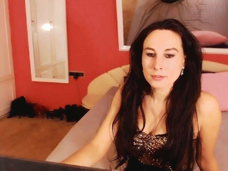 Nu live hete webcamsex met Hollandse amateur  akis36?