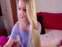 De heetste meiden online achter de webcam albapit?