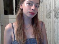 Single donkerblond lolita meisje wil sex