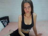 Nu live hete webcamsex met Hollandse amateur  angelafresh?