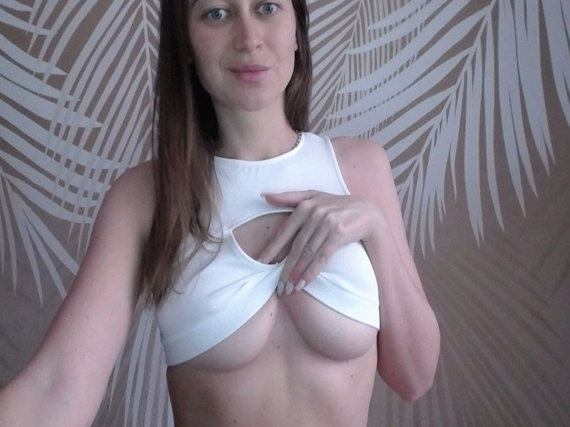 Nu live hete webcamsex met Hollandse amateur  annawaterfal?