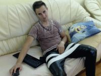 Nu live hete webcamsex met Hollandse amateur  arturo_hunt?