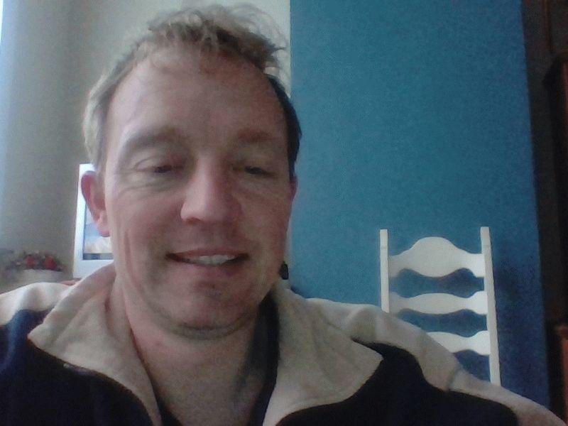 Nu live hete webcamsex met Hollandse amateur  bertolini?