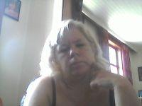 Nu live hete webcamsex met Hollandse amateur  bichke?