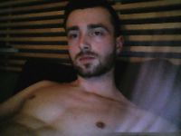 Nu live hete webcamsex met Hollandse amateur  biggboyy21?