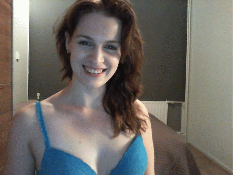 Nu live hete webcamsex met Hollandse amateur  bloemetje1?