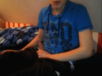 Nu live hete webcamsex met Hollandse amateur  boxerboy10?
