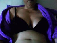 Nu live hete webcamsex met Hollandse amateur  calientesol?