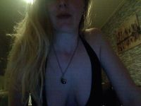 Nu live hete webcamsex met Hollandse amateur  candy3643?