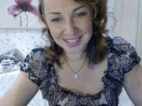 De heetste meiden online achter de webcam candyira?