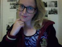 De heetste meiden online achter de webcam charlieforyou?