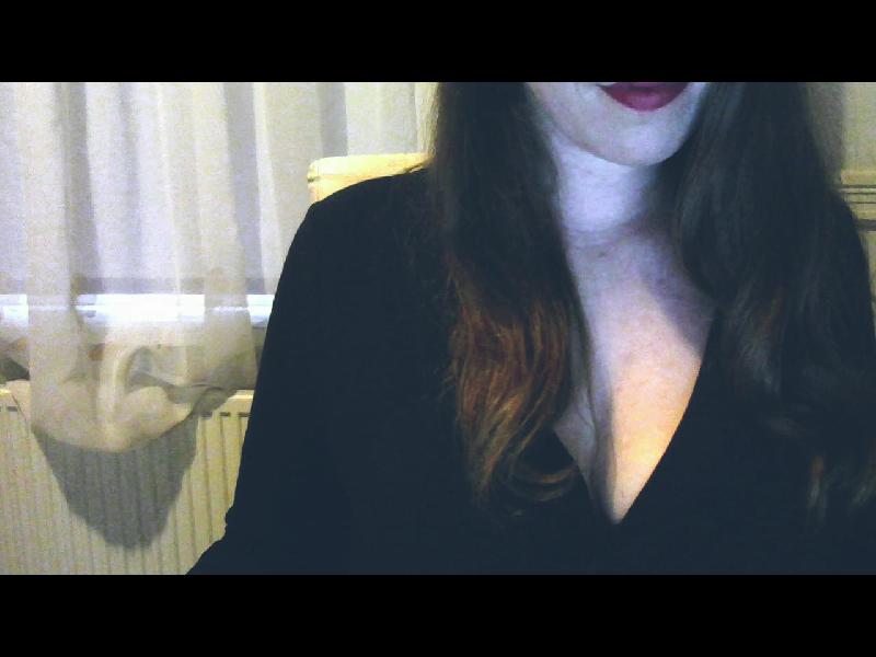 Nu live hete webcamsex met Hollandse amateur  daissyy?