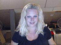 Nu live hete webcamsex met Hollandse amateur  deborah?