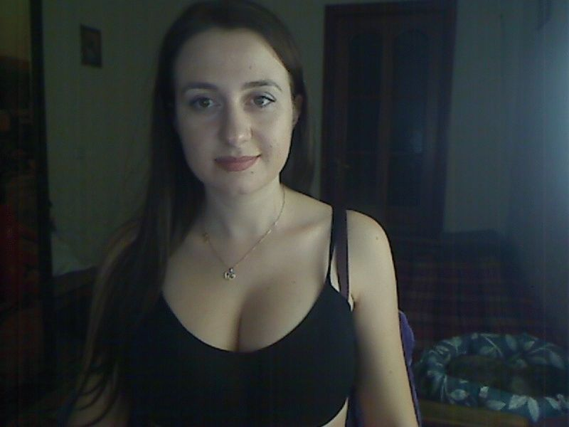Nu live hete webcamsex met Hollandse amateur  deep-blue-eyes?