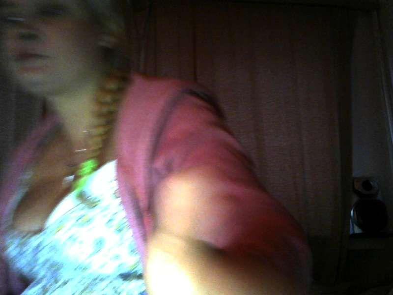 Nu live hete webcamsex met Hollandse amateur  dianahot?