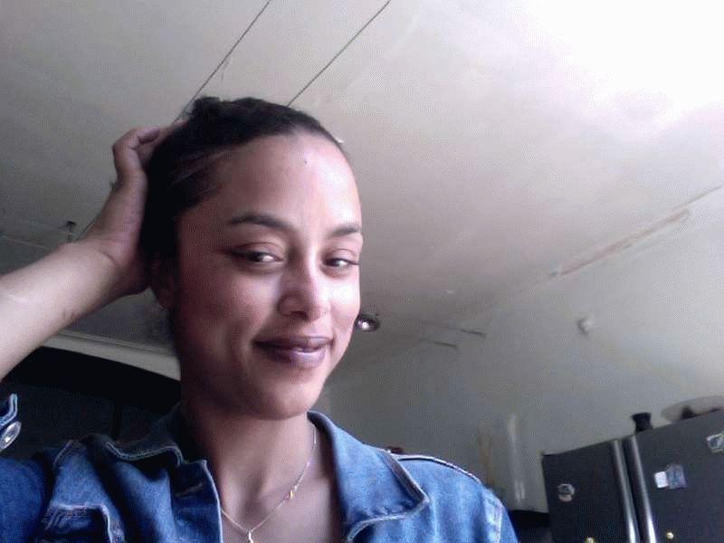 Nu live hete webcamsex met Hollandse amateur  dominicaantjuh?