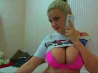 Nu live hete webcamsex met Hollandse amateur  emilyjoy?