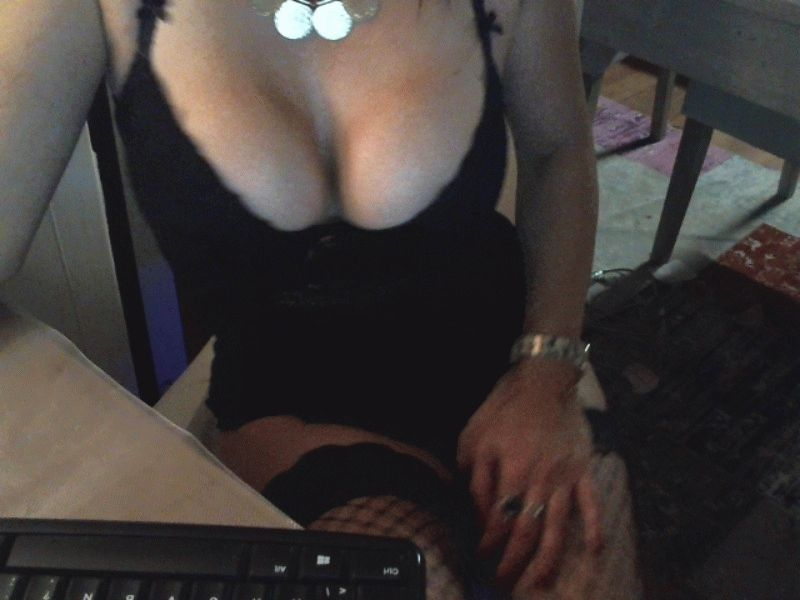 Nu live hete webcamsex met Hollandse amateur  eva7094?