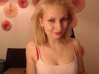 22 jarige ondeugende Hollandse Evalanche doet alles voor haar webcam!