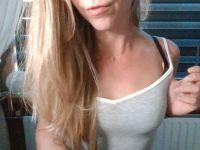 Geil blond milfje wil chatten