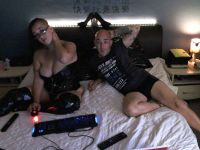 Nu live hete webcamsex met Hollandse amateur  foxycouple?