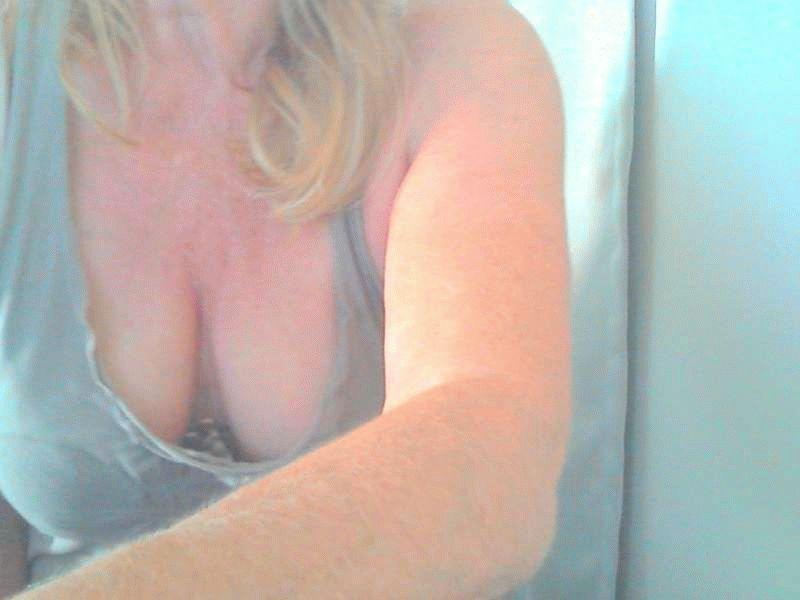 Nu live hete webcamsex met Hollandse amateur  geilejoke?
