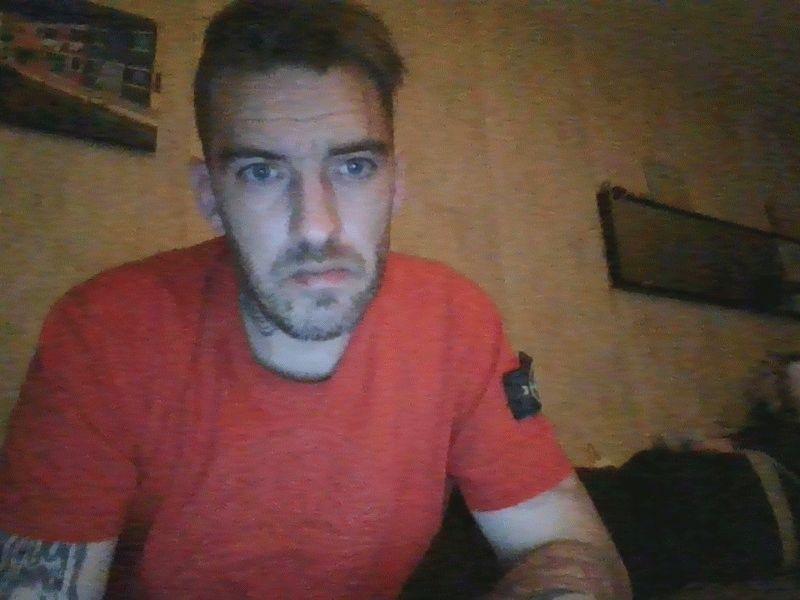 Nu live hete webcamsex met Hollandse amateur  helene_wil?