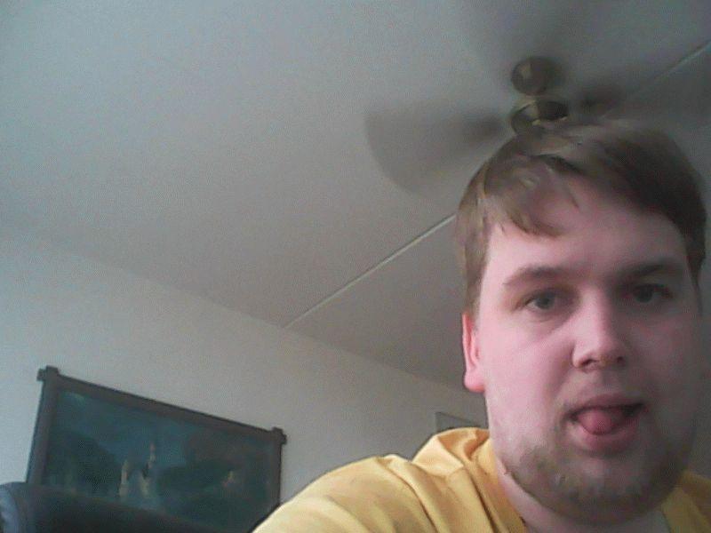 Nu live hete webcamsex met Hollandse amateur  hetejongen94?