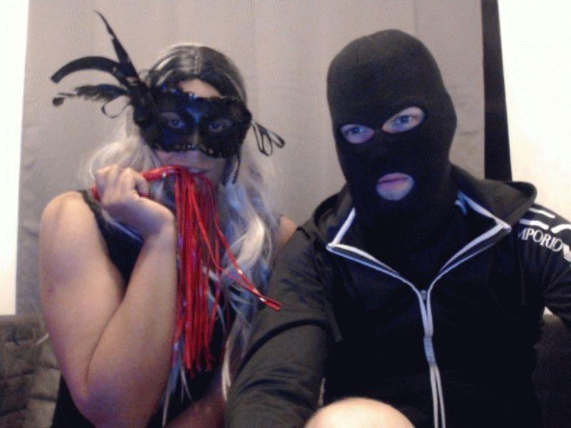 De heetste meiden online achter de webcam hornynwet?
