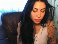 Nu live hete webcamsex met Hollandse amateur  hotcorinne?