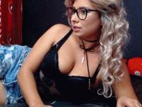 Nu live hete webcamsex met Hollandse amateur  hotdevil69?