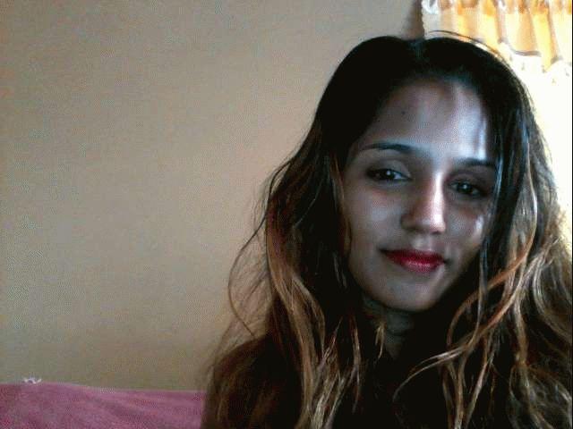 Nu live webcammen met Hollandse amateur indiadoll?