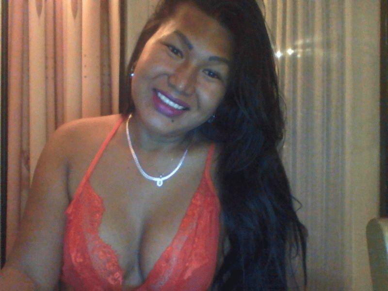 Nu live hete webcamsex met Hollandse amateur  jasmine1981?