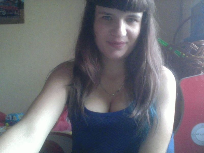Nu live hete webcamsex met Hollandse amateur  joyfulflower?
