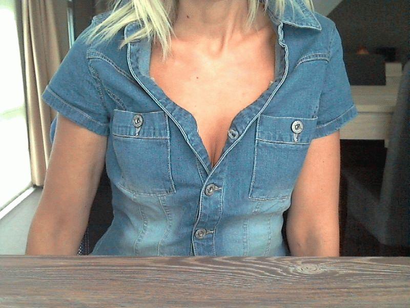 30 jarige hete Belgische huisvrouw Just_me_84 zoekt geile mannen voor bloedhete chat!