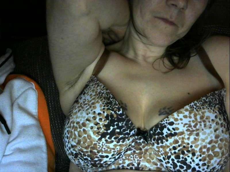 Nu live hete webcamsex met Hollandse amateur  justenjoy?