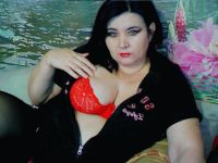 Nu live hete webcamsex met Hollandse amateur kamiladream?