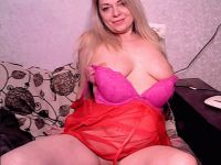 Nu live hete webcamsex met Hollandse amateur  lillicream?