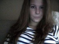 Nu live hete webcamsex met Hollandse amateur  lilly?