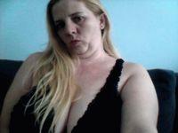 Nu live hete webcamsex met Hollandse amateur  love_girl?