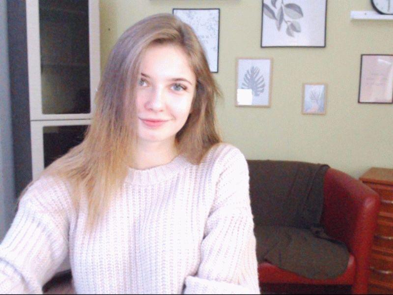 Nu live hete webcamsex met Hollandse amateur  lunnalindt?