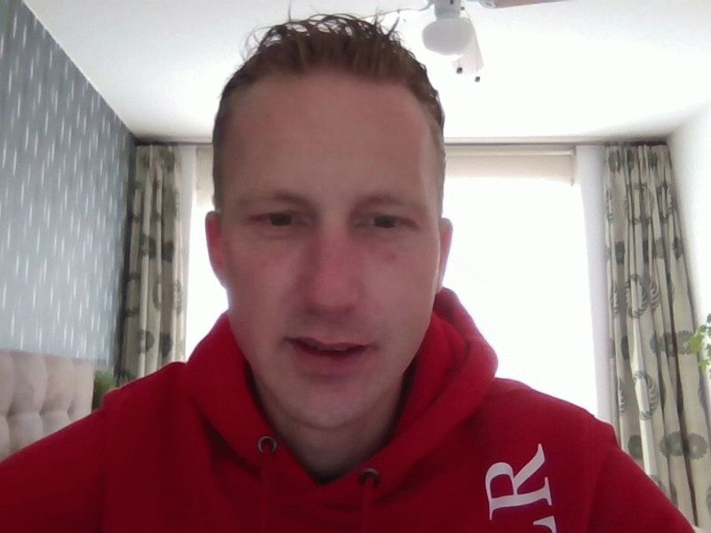 Nu live hete webcamsex met Hollandse amateur  marktheboy?