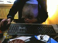 Nu live hete webcamsex met Hollandse amateur  marxtin91?