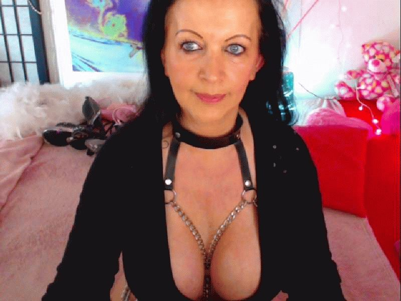 Nu live hete webcamsex met Hollandse amateur  mature-kim?