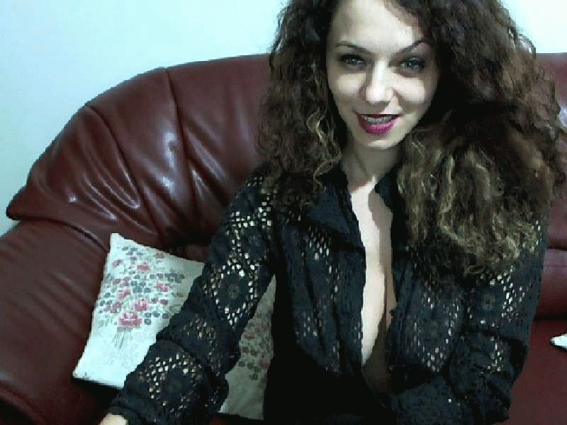 Nu live hete webcamsex met Hollandse amateur  melly?
