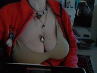 Nu live hete webcamsex met Hollandse amateur  michelle59?